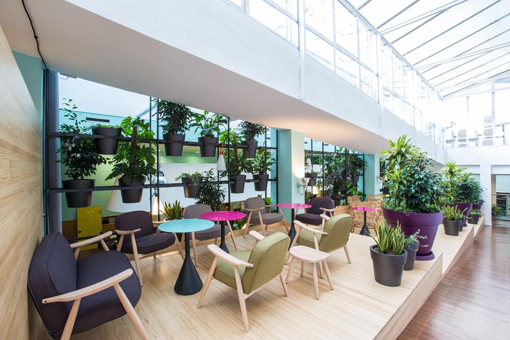 Reformas de oficinas contrast proyecto y reforma for Oficina habitatge barcelona